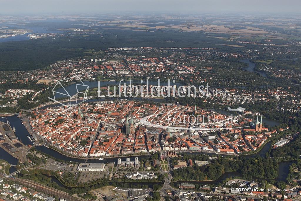 05_5351 31.08.2005 Luftbild Luebeck