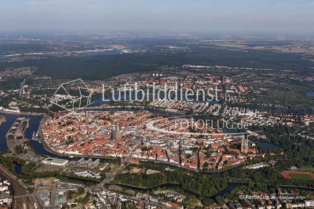 05_5369 31.08.2005 Luftbild Luebeck