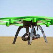 Luftbild mit Multikopter und Flugzeug FOTOFLUG.de