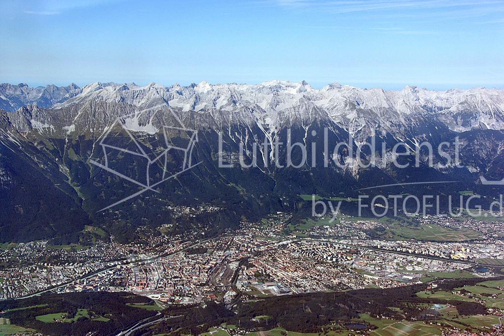 08_18423 09.09.2008 Luftbild Innsbruck