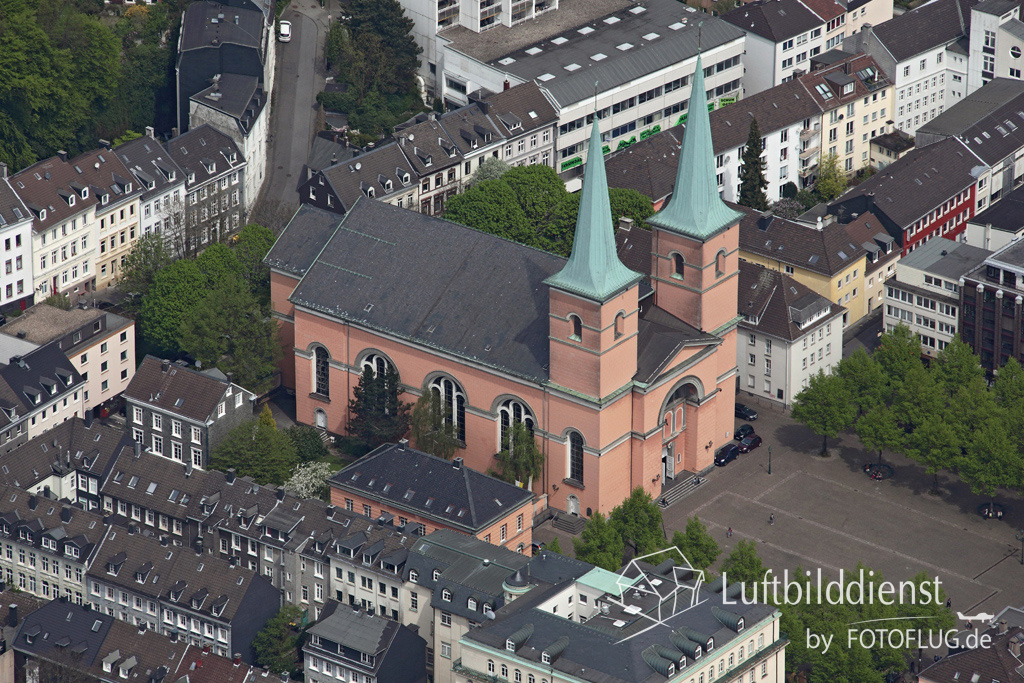 15k2_08053 02.05.2015 Luftbild Wuppertal Laurentius-Kirche