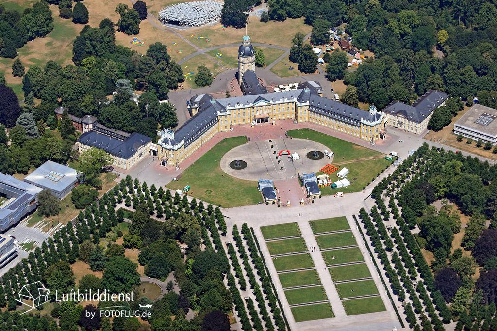15k2_9864 10.07.2015 Luftbild Schloss Karlsruhe